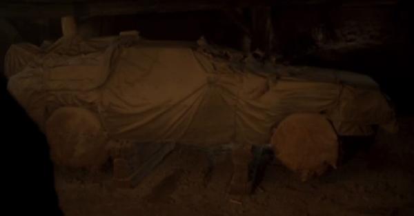 Buried DeLorean